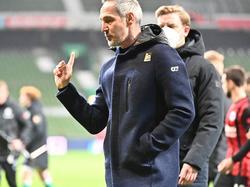 """Adi Hütter war nach der Niederlage gegen Bremen """"not amused"""""""