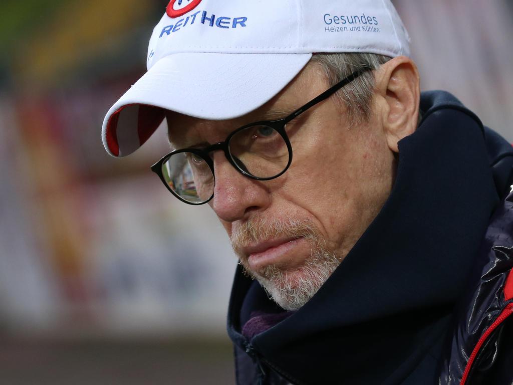 Peter Stöger wägt Optionen bei Austria ab