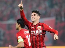 Oscar celebra un tanto con el Shangai SIPG. (Foto: Imago)