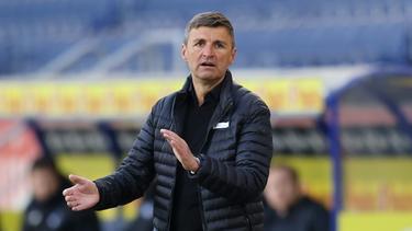 Michael Köllner darf das Stadion in Halle nicht betreten