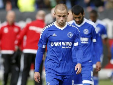 Ricardo Kip loopt teleurgesteld het veld af na afloop van het play-offduel Willem II - Almere City FC (16-05-2016).
