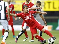 Dylan Seys maakt als invaller tegen Heracles Almelo zijn eerste minuten voor FC Twente. (02-10-2016)