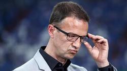 Eintracht Frankfurts Sportvorstand Fredi Bobic kritisiert Bayern-Präsident Uli Hoeneß