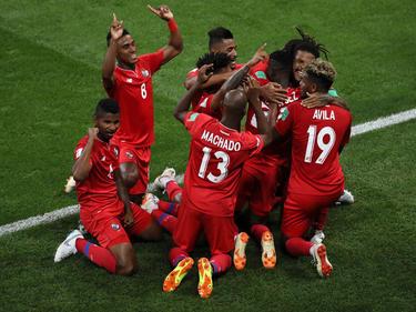 Panamas Spieler feiern das Tor gegen Tunesien