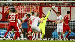 Kölns Keeper Timo Horn hatte gegen Duisburg alle Hände voll zu tun