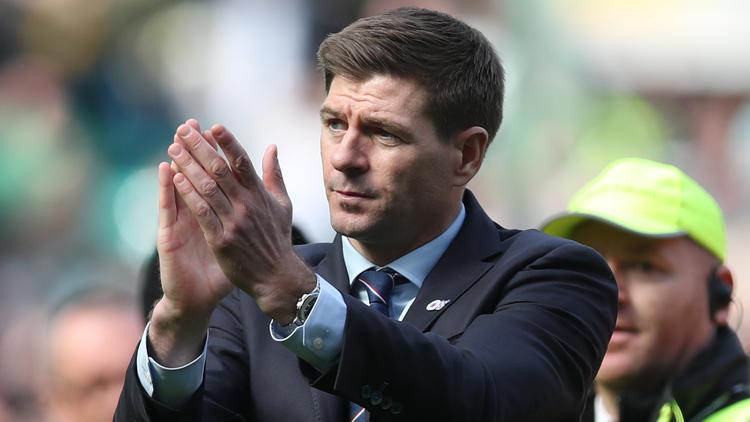 Steven Gerrard en un encuentro ante el Celtic.