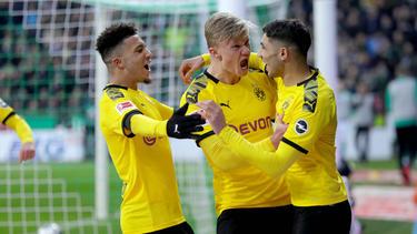 Jadon Sancho (l.) und Achraf Hakimi (r.) vom BVB haben das Interesse des FC Chelsea geweckt