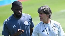 Joachim Löw setzt gegen Portugal wohl wieder auf die Defensive um Antonio Rüdiger und Co.