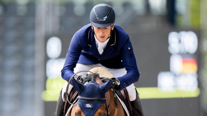 Steht auf der Longlist des Deutschen Olympiade-Komitees für Reiterei (DOKR) für die Olympischen Spiele inTokio