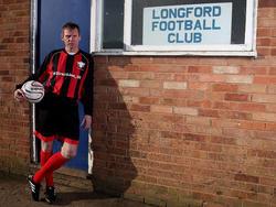 Mit 53 Jahren gibt Stuart Pearce in der Gloucestershire Northern Senior League Division Two im Trikot des AFC Longford sein Comeback.