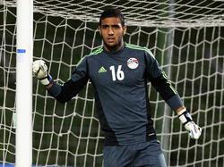 Ahmed El Shenawy bajo los palos en un encuentro ante Turquía. (Foto: Getty)