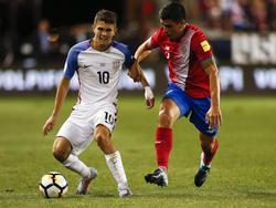 Christian Pulisic (l.) hofft noch auf die WM-Teilnahme mit den USA