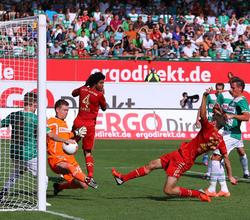Müller trifft zum 1:0 gegen Fürth