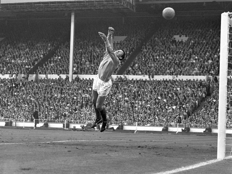 Der englische Torwart Gordon Banks beim WM-Finale 1966 gegen Deutschland