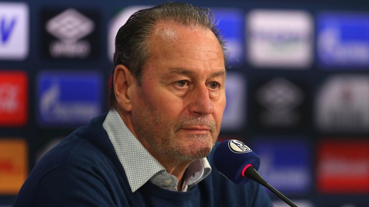 Huub Stevens ist zum dritten Mal Schalke-Trainer
