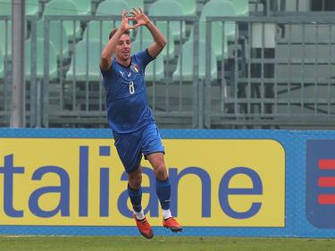 Davide Frattesi celebra un tanto con la selección italiana Sub-20. (Foto: Getty)