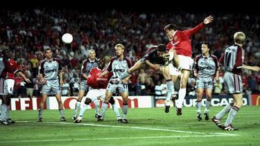 Teddy Sheringham schockt den FC Bayern im Finale der Champions League von 1999 spät