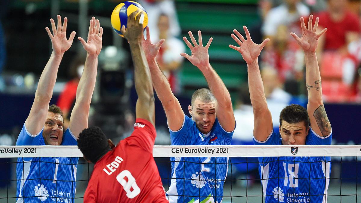 Slowenien setzte sich in einem packenden Halbfinale gegen EM-Gastgeber Polen durch