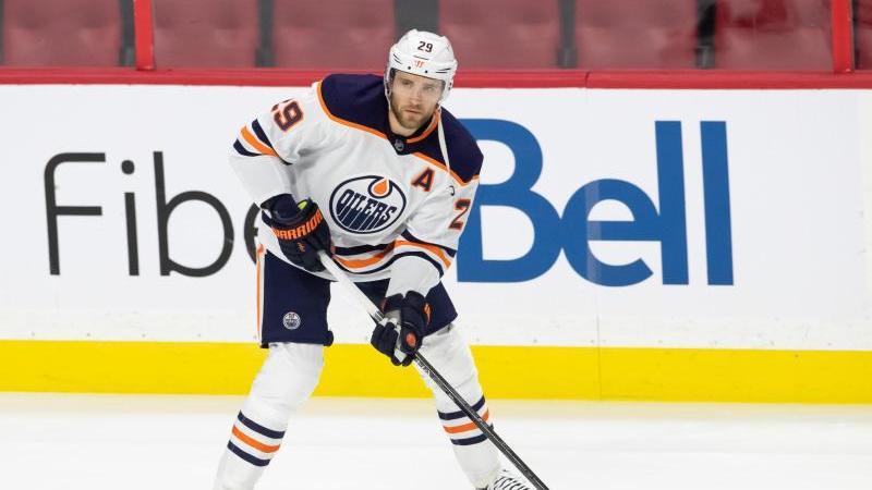 Leon Draisaitl trifft mit den Oilers in den NHL-Playoffs auf die Jets