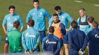 Dimitrios Grammozis (M.) soll den FC Schalke 04 retten