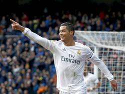 Cristiano Ronaldo kan juichen tijdens het competitieduel Real Madrid - Sporting Gijón. (17-01-2016)