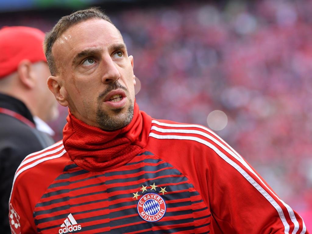 Calendrier Bayern.Bundesliga Acutalites Veteran Ribery Signs Bayern