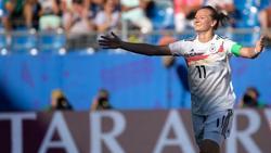 DFB-Kapitänin Alexandra Popp steht vor ihrem 100. Länderspiel