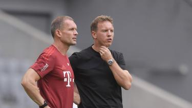 Julian Nagelsmann (r.) bestreitet planmäßig am 6. August mit dem FC Bayern sein erstes Pflichtspiel für den neuen Klub