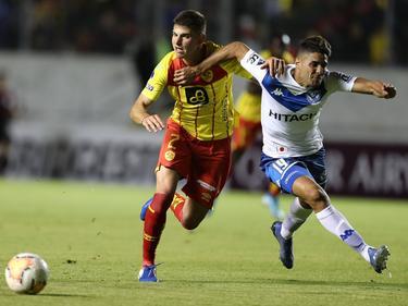 Vélez pasa de ronda pese a la derrota.