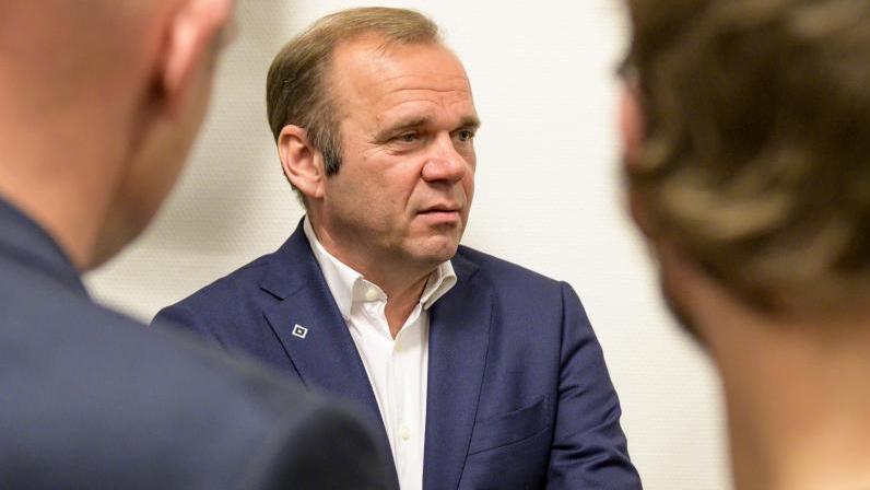 HSV-Chef Bernd Hoffmann will Kontinuität auf Entscheider-Positionen