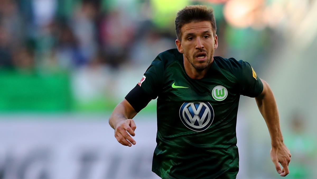 Ignacio Camacho vom VfL Wolfsburg bangt nach zwei Operationen am Sprunggelenk um die Fortsetzung seiner Karriere