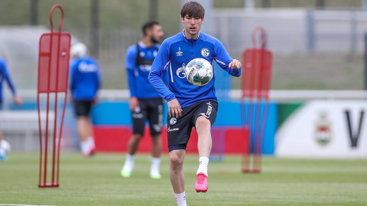 Juan Miranda soll länger beim FC Schalke 04 bleiben