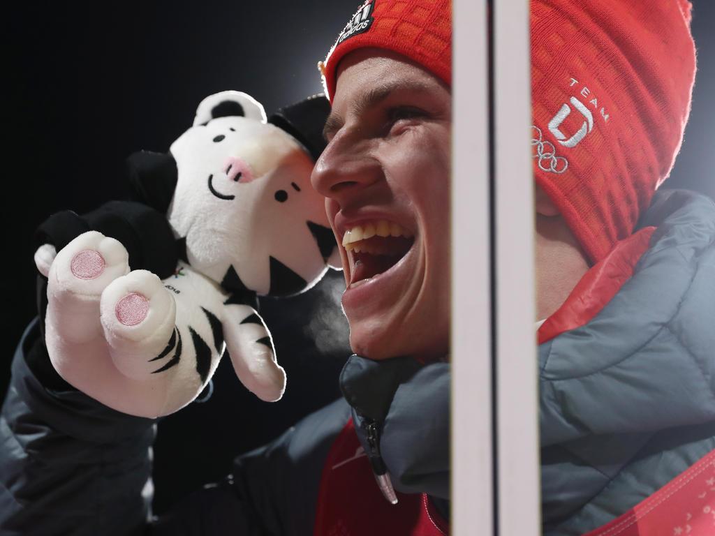 Andreas Wellinger feierte seinen Olympiasieg ausgiebig