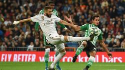 Benzema dispuso de varias ocasiones ante el meta Joel.
