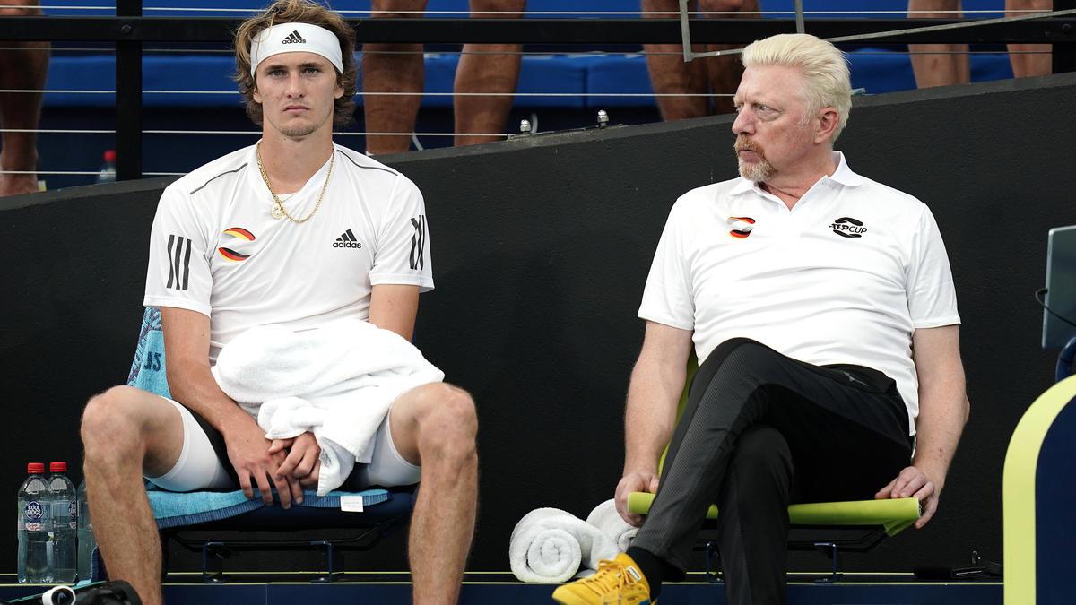 Boris Becker (r.) sorgt sich um Tennis-Ass Alexander Zverev (l.)