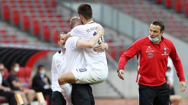 Dimitrij Nazarov feierte sein Tor zum zwischenzeitlichen 1:0
