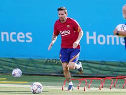 Lionel Messi wird trotz seiner Abschiedsgedanken Kapitän der Katalanen bleiben