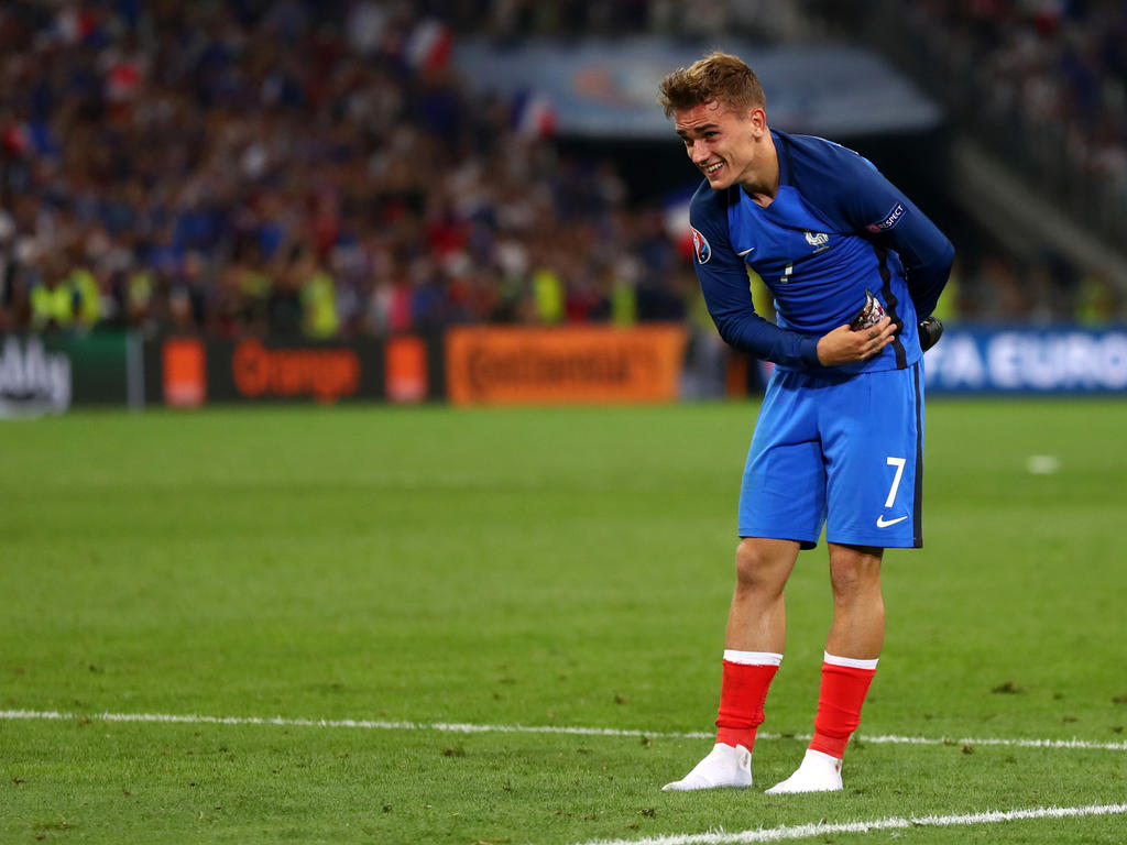 efe50bc88fe45c UEFA on Monday named French forward and tournament top scorer Antoine  Griezmann as the best player of Euro 2016