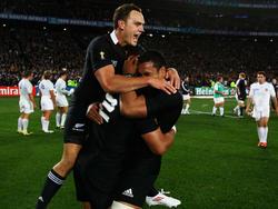 IsraelDagg feiert den Gewinn des Titels bei der Rugby-WM 2011