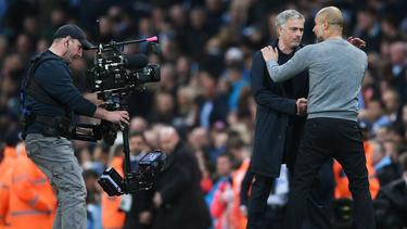 Pep Guardiola (l.) und José Mourinho treffen im Manchester-Derby aufeinander