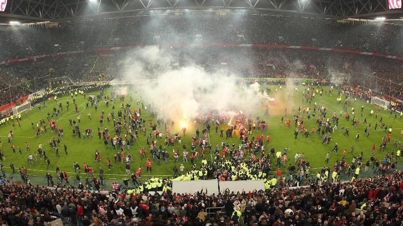 Bei der Relegation zwischen Fortuna Düsseldorf und Hertha BSC im Jahr 2012 ging es zur Sache