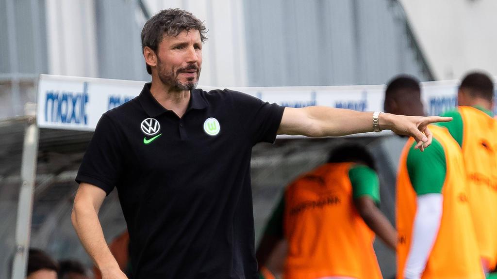 Mark van Bommel freut sich auf das Duell gegen Eintracht Frankfurt