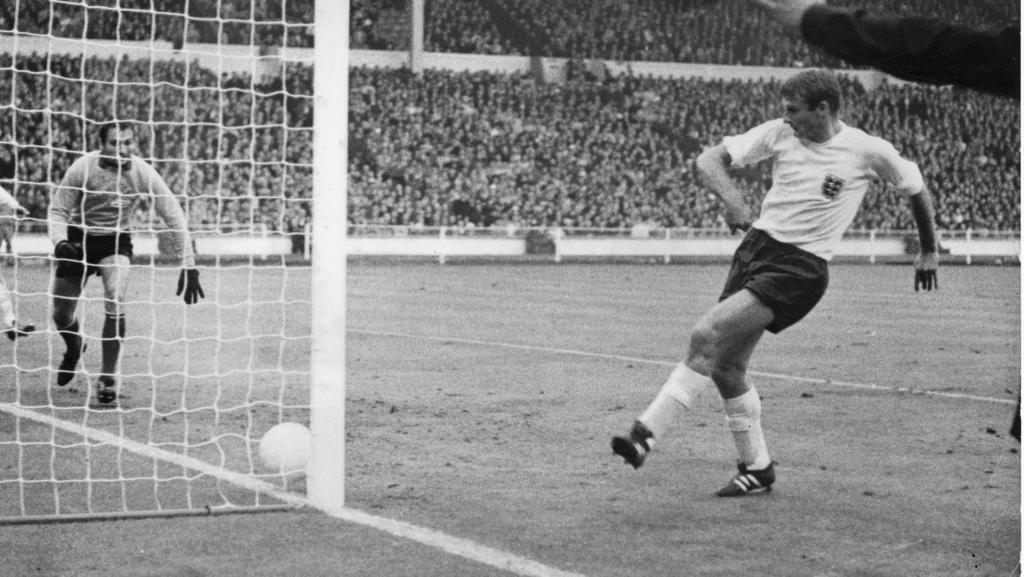 England-Legende Roger Hunt im Alter von 83 verstorben