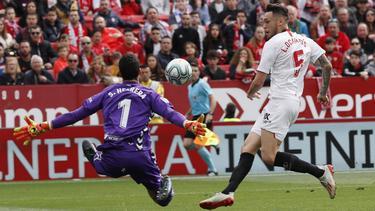 Ocampos adelantó al Sevilla en el triunfo sobre el Osasuna.