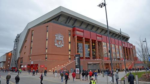 FIFA 21: Kurioser Bug entkleidet das Stadionpersonal an der Anfield Road