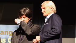 Hat sich vor Jogi Löw gestellt: Rudi Völler (re.)