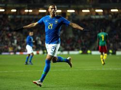 Richarlison marcó su tercer gol en seis partidos con la Selecao. (Foto: Getty)