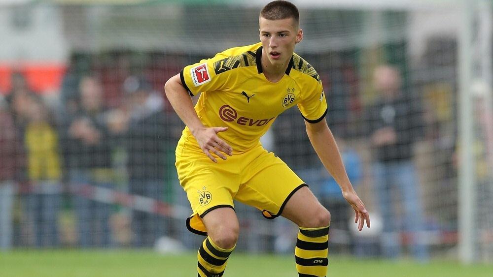 Mittelfeld-Talent Tobias Raschl erzielte das 2:0 für den BVB