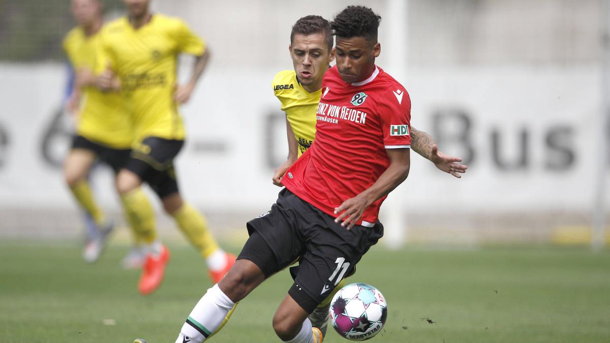 Linton Maina spielt für Hannover 96 in der 2. Liga