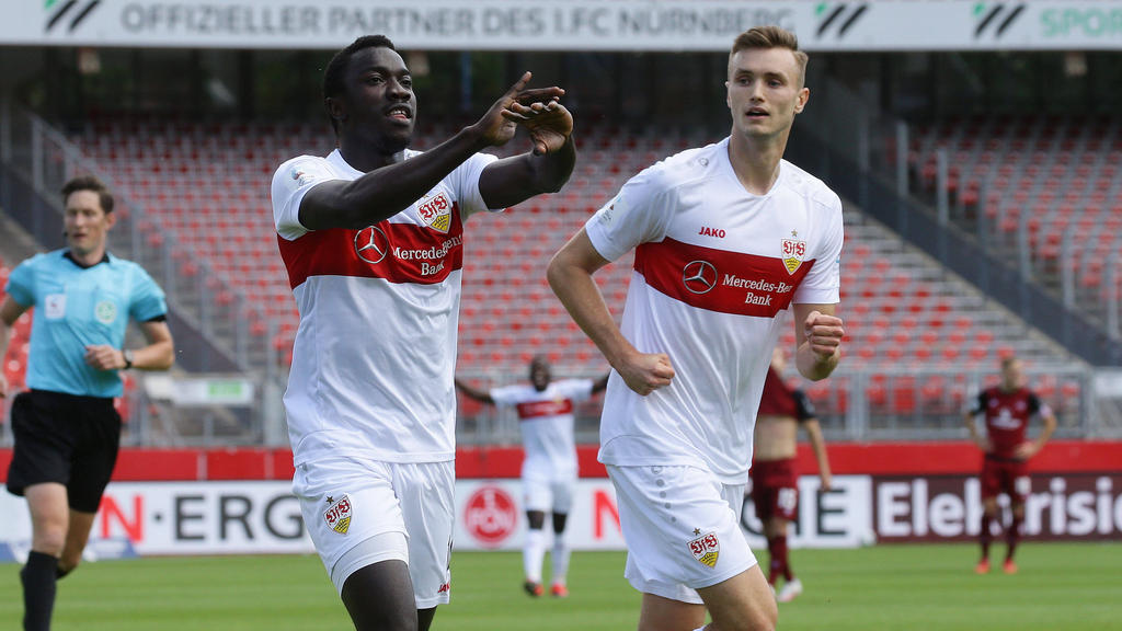 Sasa Kalajdzic (r.) vom VfB Stuttgart steht im Visier von RB Leipzig